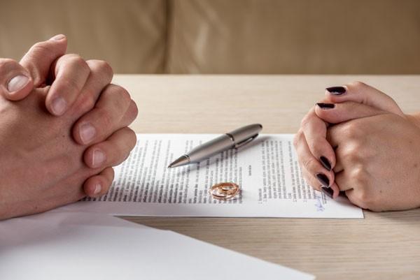 vợ hy sinh 17 năm hôn nhân cho chồng ôm hận khi phản bội