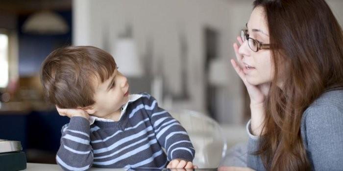 bí quyết duy trì cuộc trò chuyện với trẻ