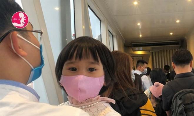 Tin vui cho các cha mẹ: Tỉ lệ trẻ em bị nhiễm virus corona thấp hơn nhiều so với người lớn