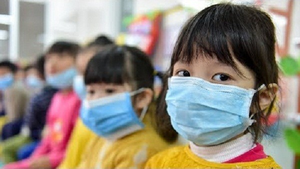 Có nên tiêm phòng vắc-xin Covid-19 cho trẻ con hay không?