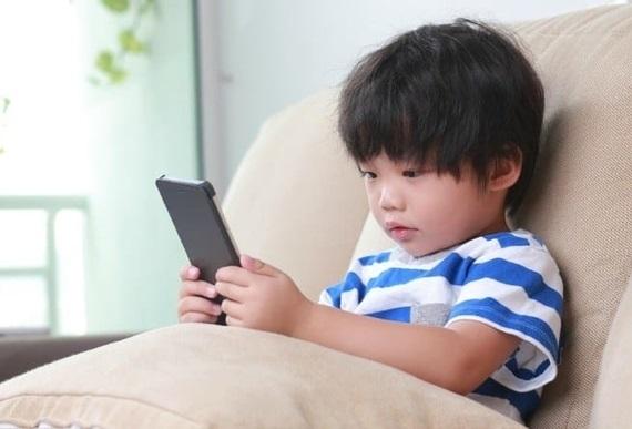 Tần suất tiếp xúc với thiết bị điện tử của con bạn