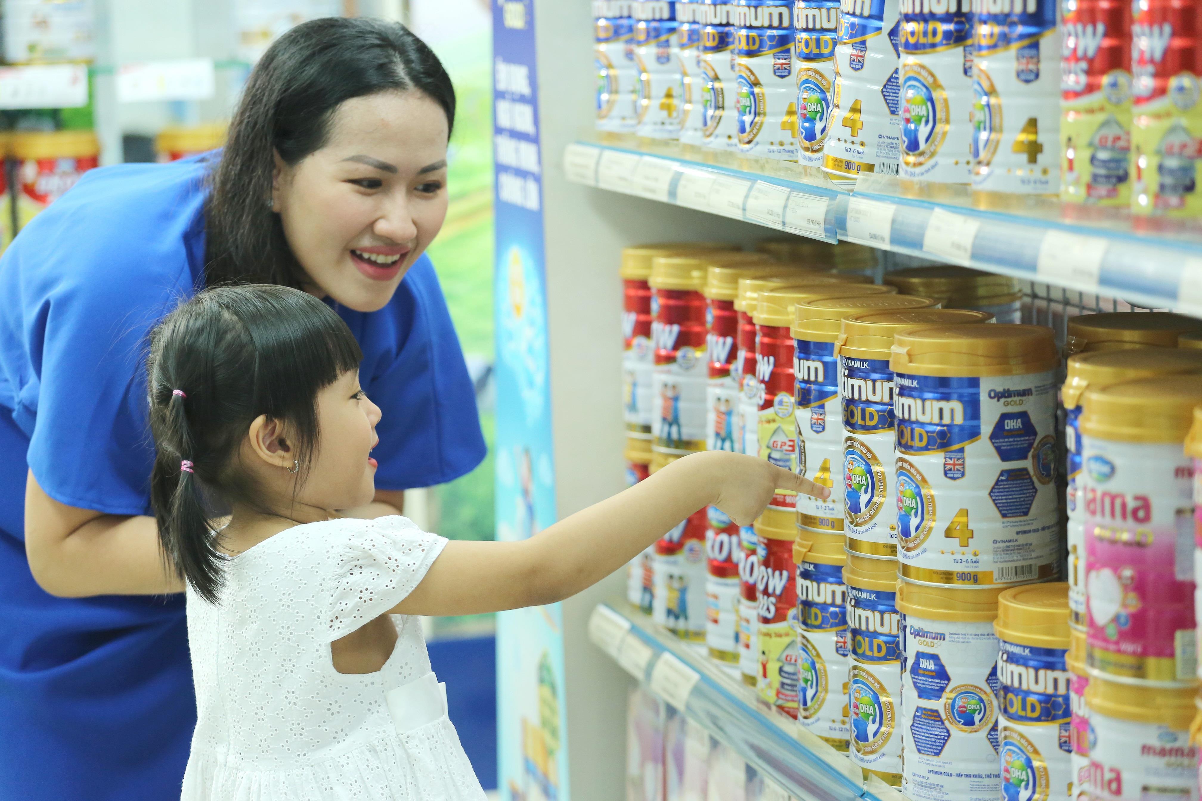 Mẹ thường mua sữa cho con ở đâu nhất?